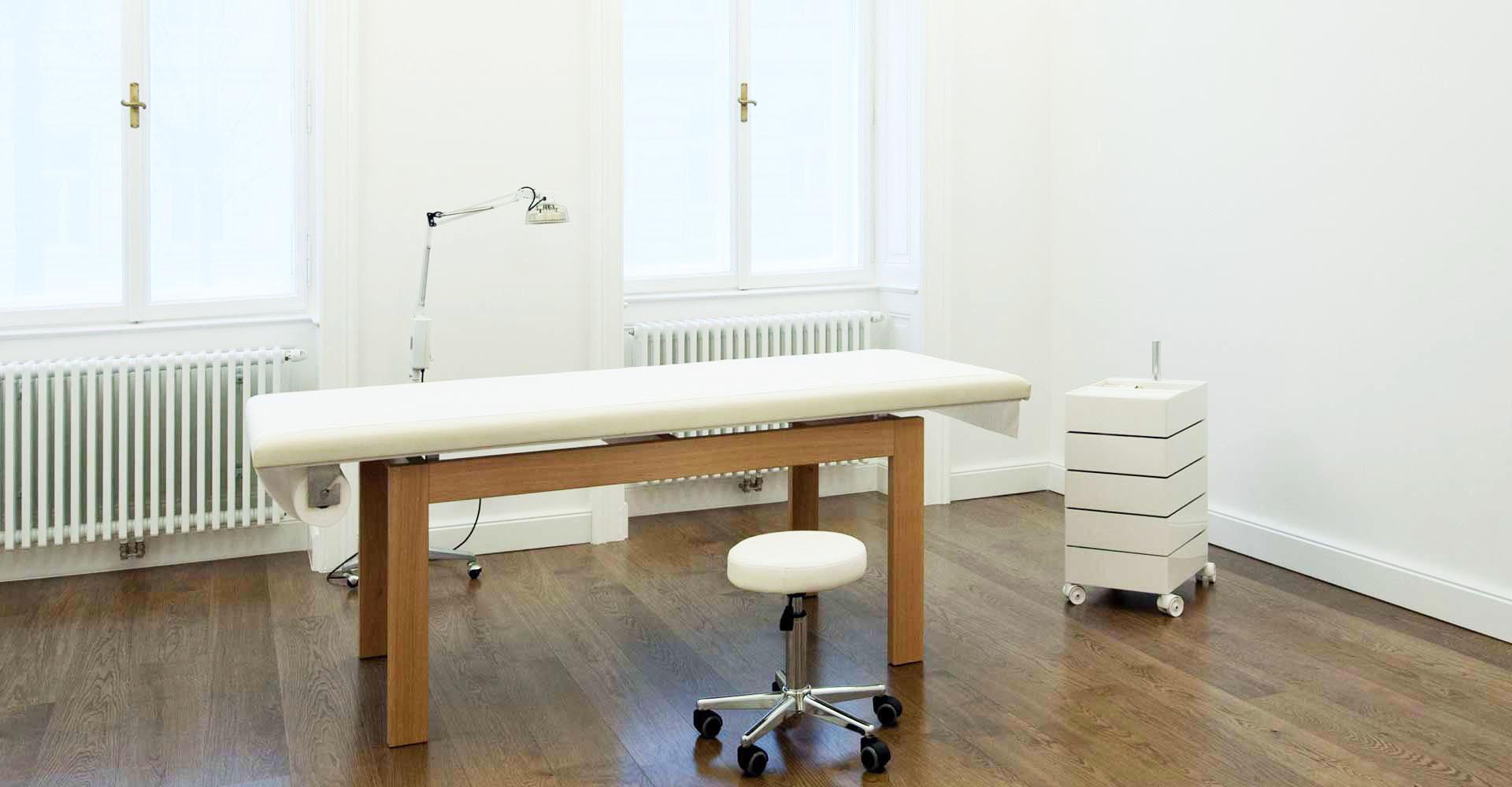 Dr-Schaumann-Dermatologie-TCM-Wien-Slider-02